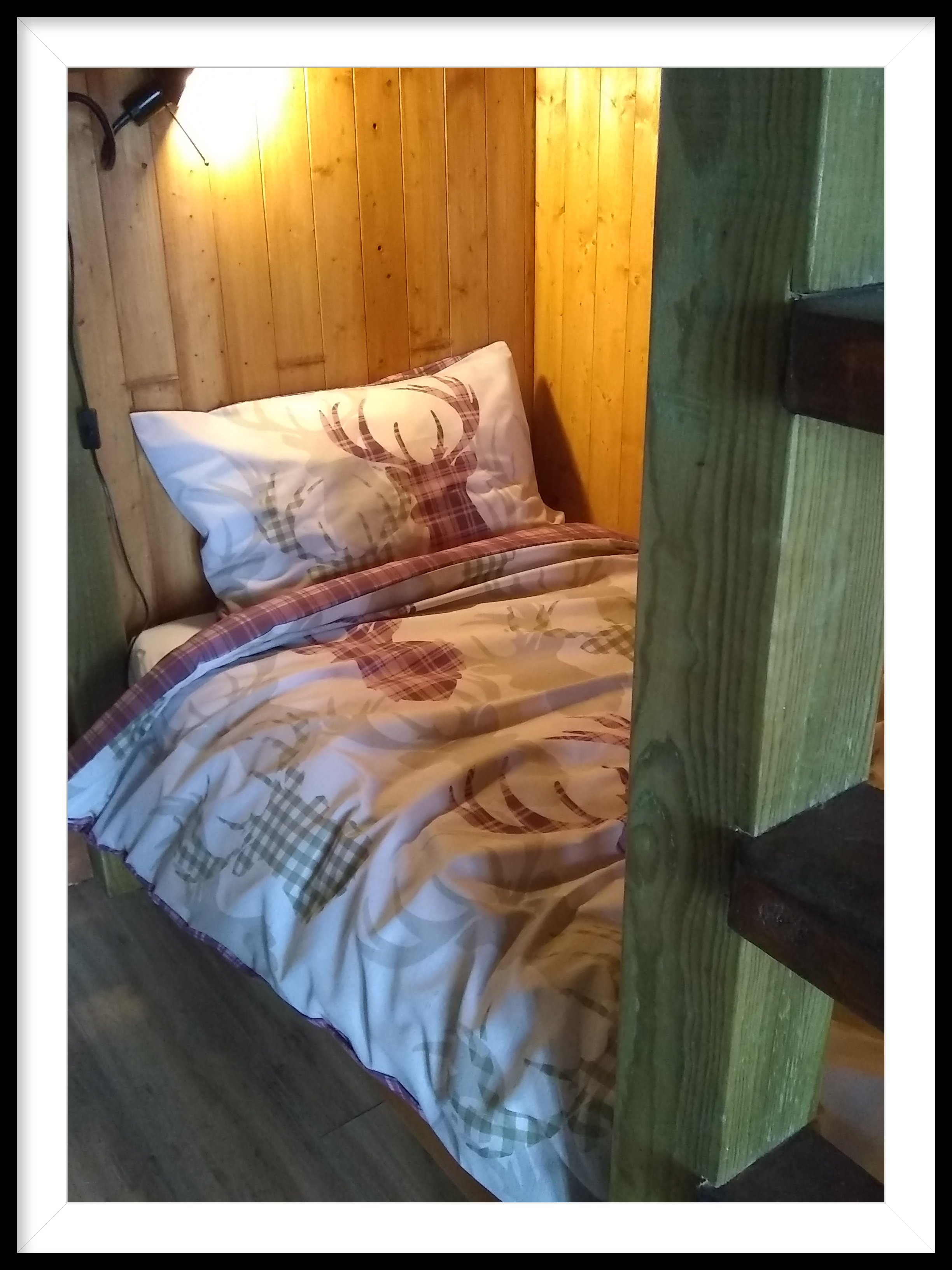 Lower Bunkbed with lighting